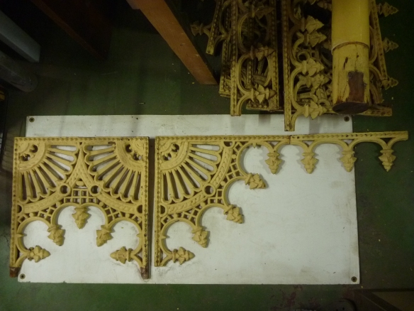 Original cast iron verandah lacework set. 1 x double corner, 7 left corners, 7 right corners - corner height approx 475mm, approx 3.5m of frieze lengths. Additional pieces can be recast to order.