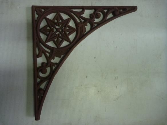 Original Victorian cast iron lace work corners x7, approx 460mm flat edge length