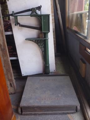Original Birmingham cast iron floor scales $330 Original Birmingham cast iron floor scales $330