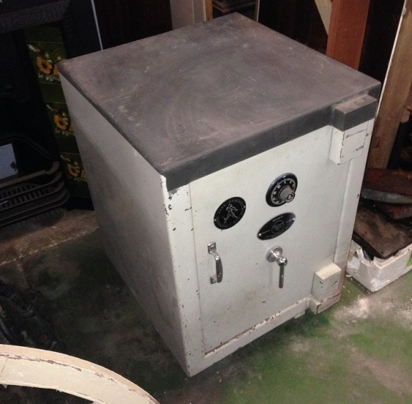 Combination lock safe, Victoria Safe Company Pty Ltd w605 x d660 x h765 $660 salvage recycled demolition, reproduction restoration, renovation, collectable, secondhand, used, original, old, reclaimed heritage, antique