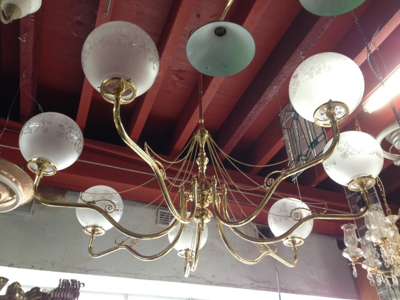 Brass 7 branch pendant light with quality chain detail, large span approx. diameter 1.7m $900