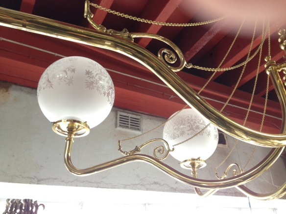 Brass 7 branch pendant light (detail) with quality chain detail, large span approx. diameter 1.7m $900
