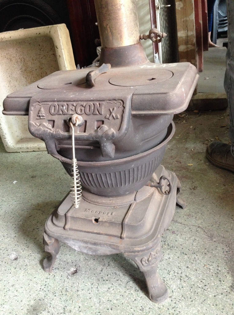 """""""Oregon"""" pot belly stove, made in New Zealand, w460 x h520 x d450mm $445"""