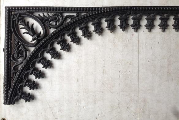 Verandah lacework corners and matching frieze lengths, corner dimensions w520 x h410mm