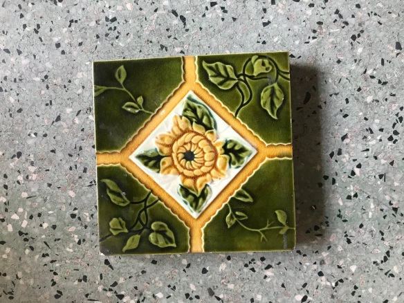 salvaged, recycled, demolition, reproduction, restoration, renovation, collectable, second hand, used, original, old, reclaimed, heritage, Victorian, Edwardia, Deco, Georgian 2 original picture tiles, $ 50 the set. Set 40