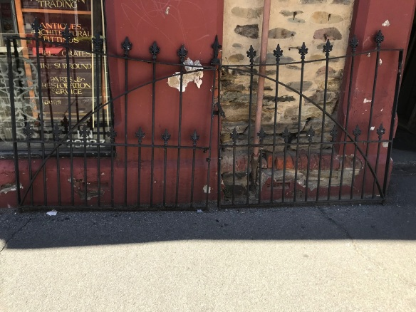 salvaged, recycled, demolition, reproduction, restoration, renovation, collectable, second hand, used, original, old, reclaimed, heritage, Victorian, Edwardia, Deco, Georgian large pair of cast iron Victorian driveway gates, appx 2950 mm wide x 1450 mm high , in original condition, needs grit blasting to bring them back to fantastic condition $1200 as is