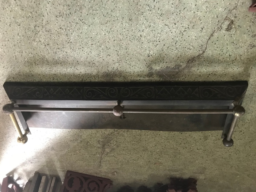 salvaged, recycled, demolition, reproduction, restoration, renovation, collectable, second hand, used, original, old, reclaimed, heritage, Victorian, Edwardia, Deco, Georgian Cast iron and brass fireplace fender . 1170 mm wide , 295 mm deep . $ 245