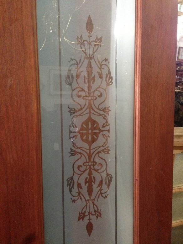 salvaged, recycled, demolition, reproduction, restoration, renovation, collectable, second hand, used, original, old, reclaimed, heritage, Victorian, Edwardia, Deco, Georgian detail of etched glass in bi-fold doors