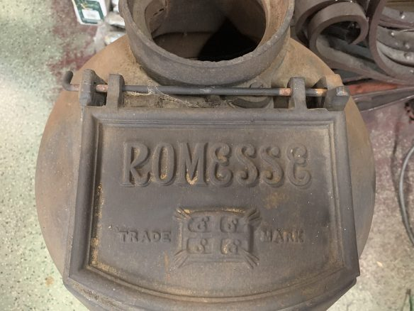 Romesse brand , Pot Belly stove , in almost like new condition , very heavy duty, 800 mm tall x 400 mm diameter , $545 salvaged, recycled, demolition, reproduction, restoration, renovation,collectable, secondhand, used , original, old, reclaimed, heritage, antique, victorian, art nouveau edwardian, georgian, art deco