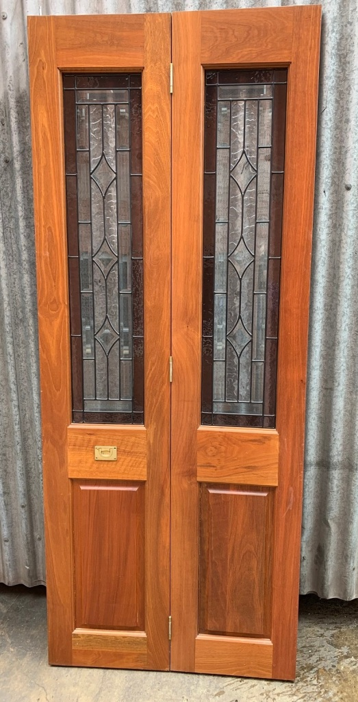 Bi-Fold doors , with leadlight , 810 mm x 1990 mm , $385 salvaged, recycled, demolition, reproduction, restoration, home renovation secondhand, used , original, old, reclaimed, heritage, antique, victorian, art nouveau edwardian, georgian, art deco