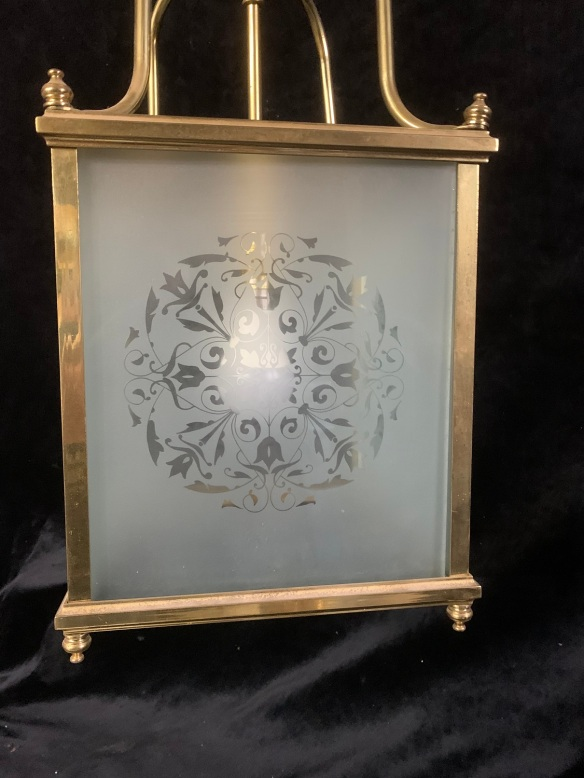 vintage salvaged 1800s 1900 1910 1920 1930 1940 1950 recycled demolition reproduction, restoration, renovation secondhand, used , original,old,reclaimed,heritage,antique, victorian,art nouveau edwardian, georgian,art decoDetail of etched glass in hallway light