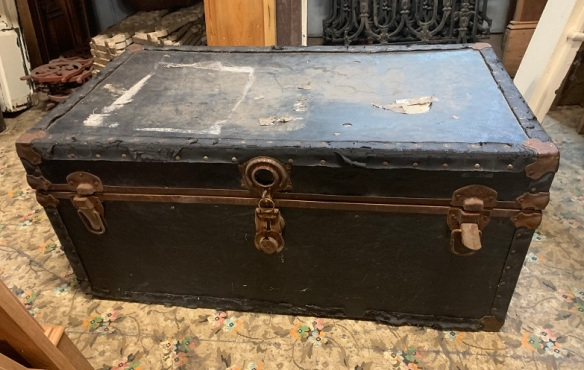 Rustic trunk, some damage to base where it joins with side, possibly for wood storage $20 salvaged, recycled, demolition, reproduction, restoration, home renovation secondhand, used , original, old, reclaimed, heritage, antique, victorian, art nouveau edwardian, georgian, art deco